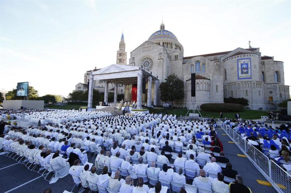 Este es el lugar donde se desarrolló la ceremonia de canonización. (Foto: EFE)