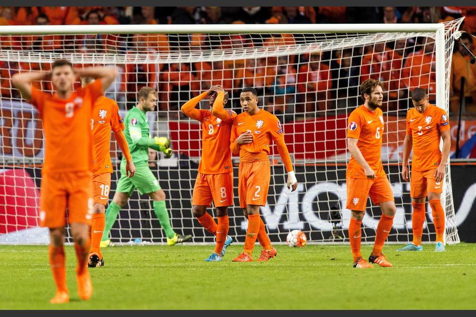 Holanda queda fuera de la Eurocopa foto