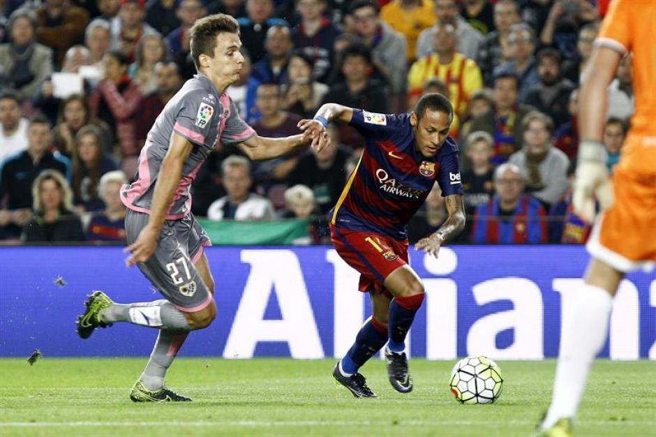 Neymar fue el más desequilibrante en la ofensiva del equipo catalán. Hizo goles y fue la gran figura.(Foto: EFE)