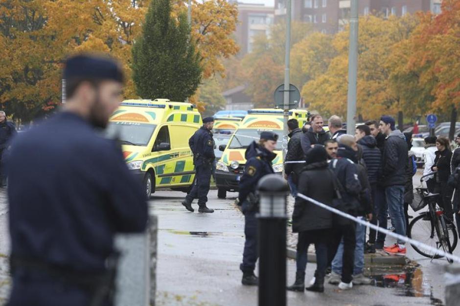 Un profesor murió y otras tres personas resultaron heridas de gravedad en el incidente. (Foto: EFE)