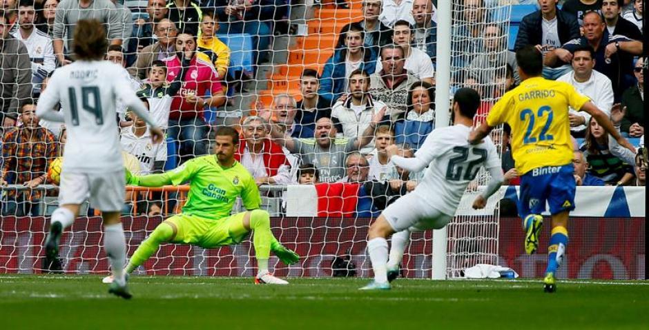 Isco definió al minuto 4 el primero del Real Madrid ante Las Palmas.(Foto: EFE)