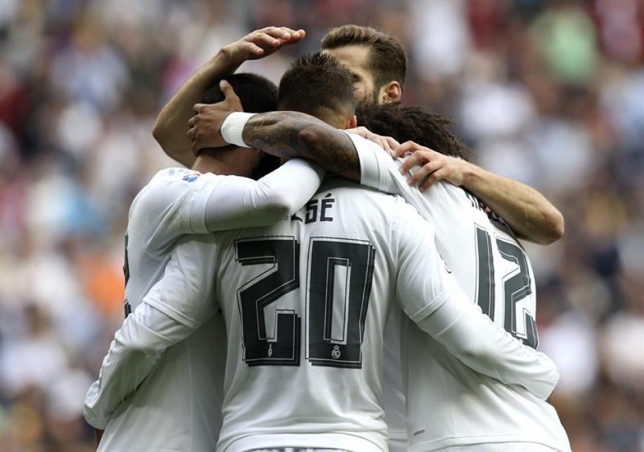 El Madrid festejó su séptimo triunfo en la Liga tras 10 jornadas, es el único equipo que no ha perdido.(Foto: EFE)