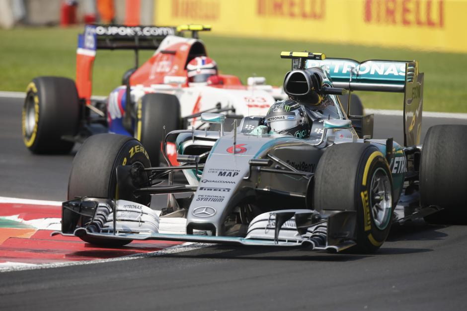Nico Rosberg, de la escudería Mercedes, durante la competencia