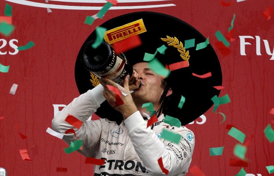 Rosberg celebra con un sombrero charro el haber ganado el GP de México. (Foto: EFE)