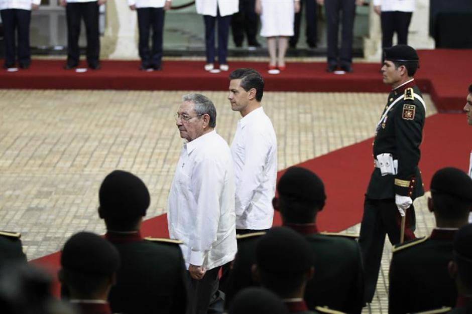 Ambos acordaron mejorar los lazos de cooperación en varios asuntos. (Foto: EFE)