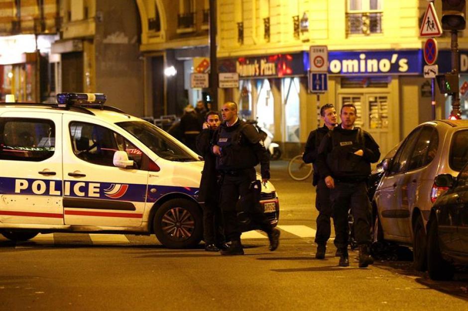 Decenas de personas han muerto en varios ataques coordinados en París ocurridos alrededor de las diez de la noche, hora local, según datos de la Prefectura de Policía. (Foto: EFE)