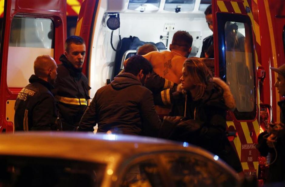 Además se han registrado tres explosiones en las proximidades del Estadio de Francia, en el que juegan un partido amistoso las selecciones de fútbol de Francia y Alemania. (Foto: EFE)