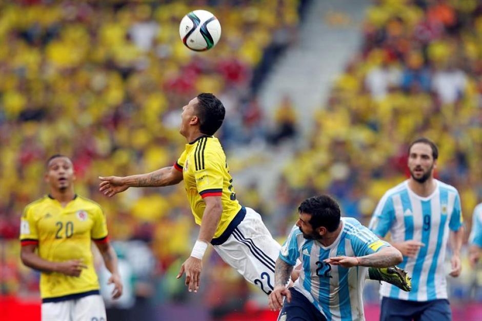Colombia no pudo sumar en la eliminatoria, al caer por 0-1 ante Argentina, que no extraña a Messi, pues ha podido sacar adelante sus compromisos. (Foto: EFE)
