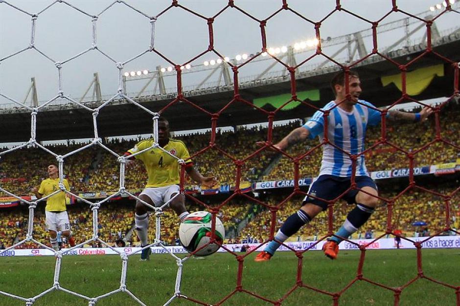 Argentina se impuso ante Colombia en la eliminatoria sudamericana, con gol de Lucas Biglia. (Foto: EFE)
