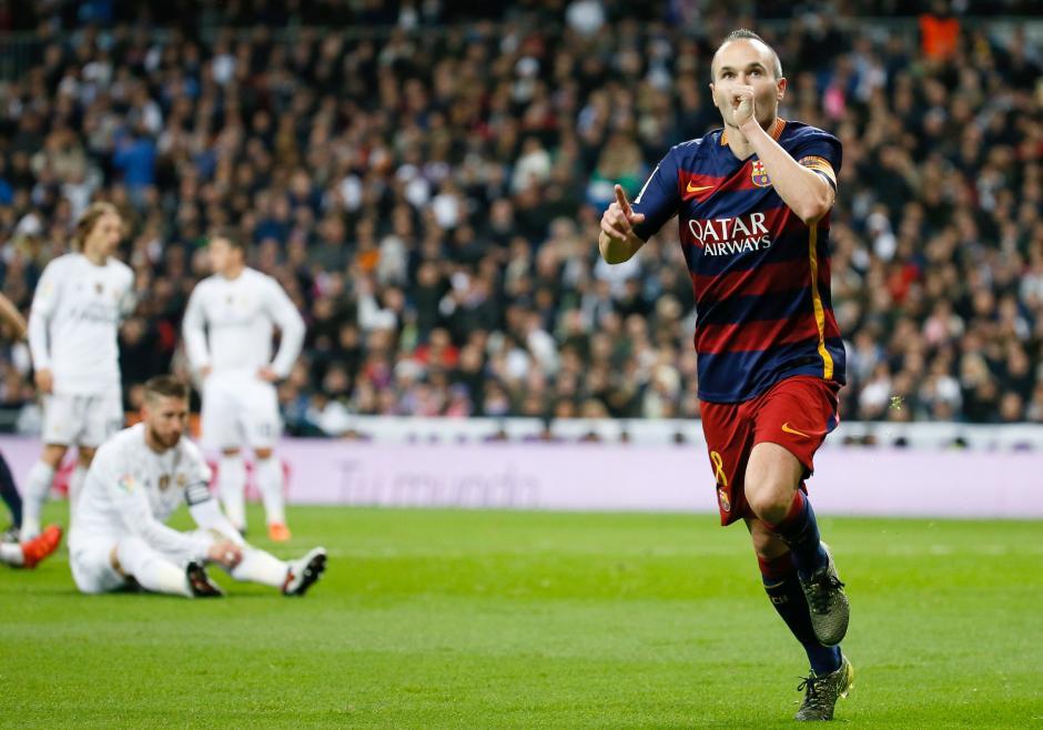 Andrés Iniesta marcó el tercer gol del Barcelona en lo que para muchos ha sido una humillación al Real Madrid. (Foto: EFE)
