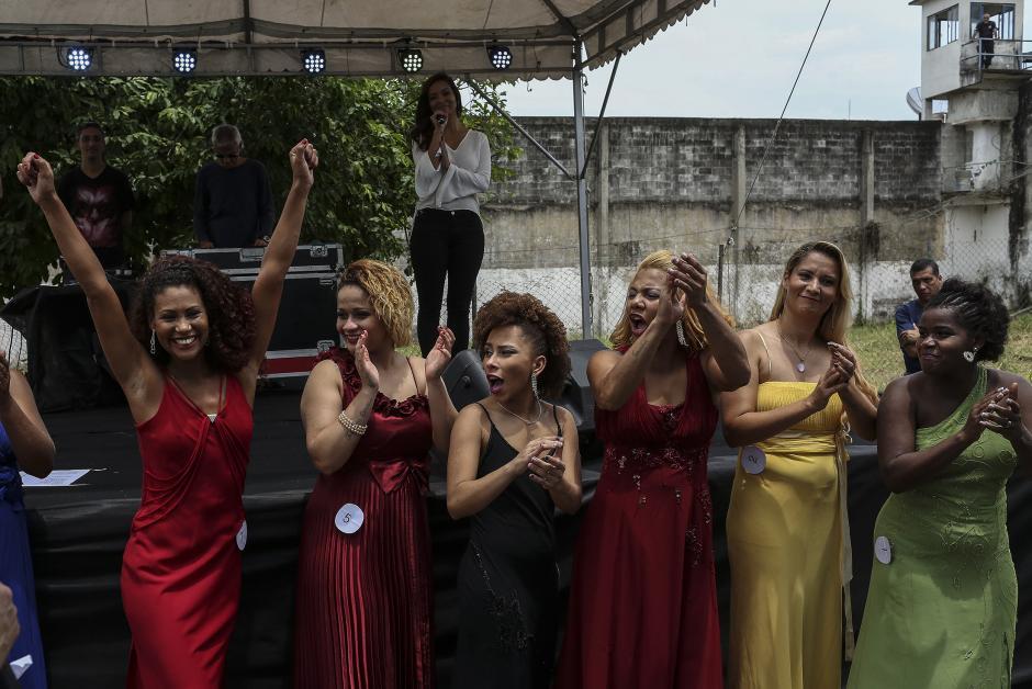 Las candidatas de Miss Penitenciaria Brasil 2015 lucieron sus mejores galas. (Foto: EFE)