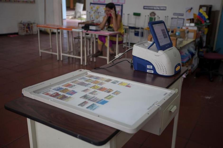 Las elecciones históricas transcurren con normalidad en Venezuela. (Foto: EFE)