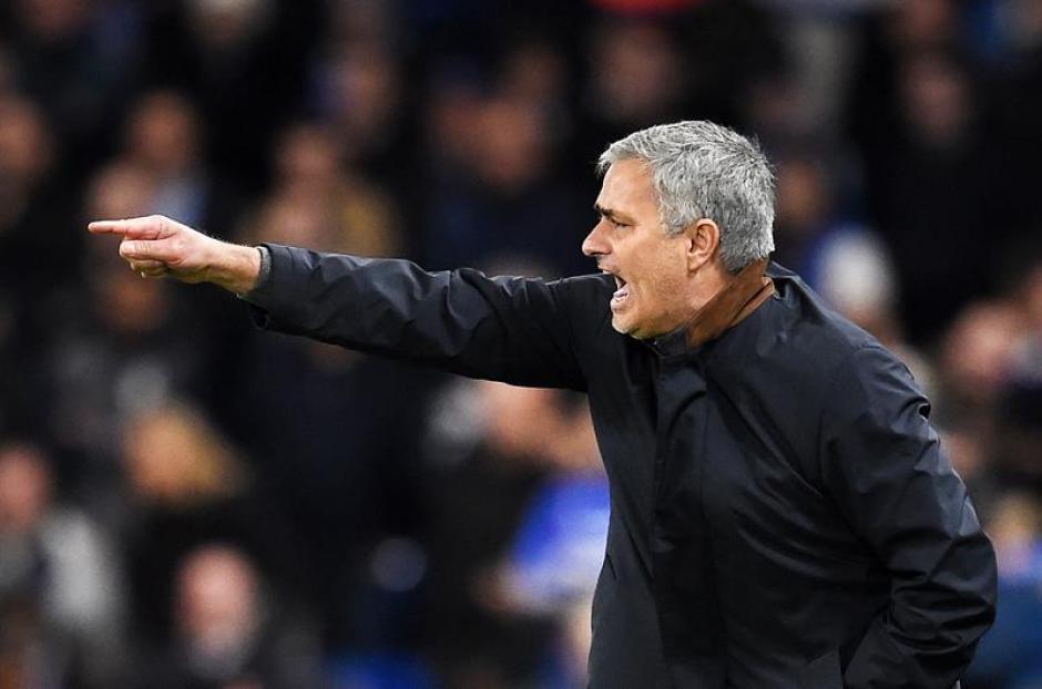 El Chelsea, de Mourinho, logró la clasificación. Mal momento en la Premier, pero bien en la Champions. (Foto: EFE)