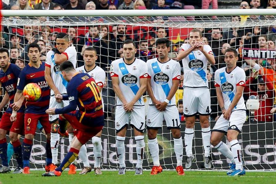 Messi anotó un golazo de tiro libre, el balón pasó la barrera y superó la estirada del portero rival. (Foto: EFE)