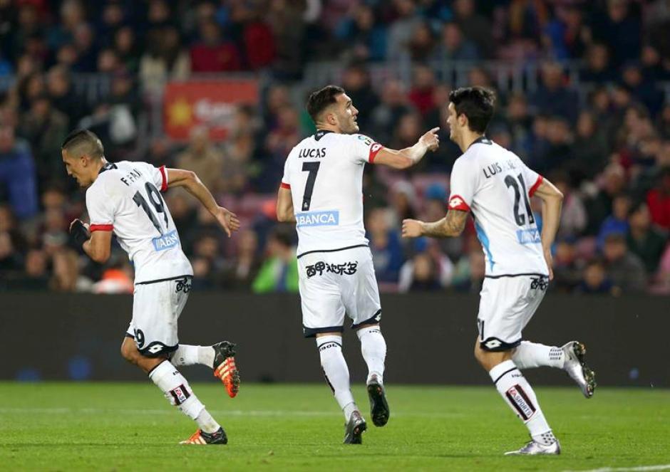 El Depor sacó un histórico empate del Nou Camp. Perdían 2-0 y empataron en los últimos minutos. (Foto: EFE)