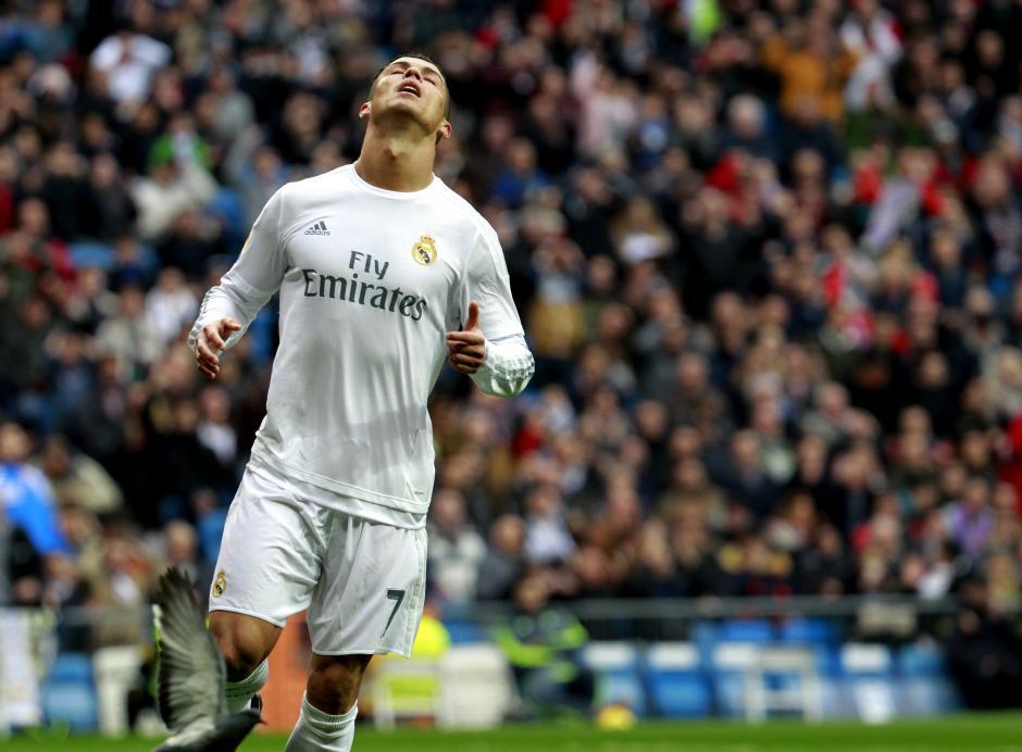 Cristiano Ronaldo falló uno de los dos penales que cobró durante el duelo. (Foto:EFE/Víctor Lerena)
