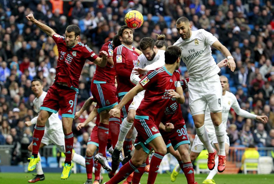 Karim Benzema no pudo aportar a su equipo y llegar a su gol 100 con el Real Madrid. (Foto:EFE/Víctor Lerena)