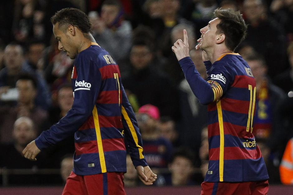 Neymar y Messi hicieron dupla letal en el ataque junto a Luis Suárez. El brasileño hizo dos pases de gol, el segundo con un taquito espectacular. (Foto: EFE/Quique García)