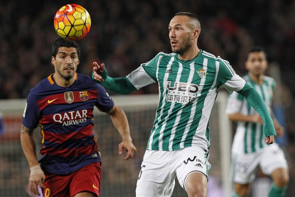 Con dos goles en el primer tiempo y dos en el complemento; Barcelona superó con comodidad al Real Betis 4-0. (Foto: EFE/Quique García)