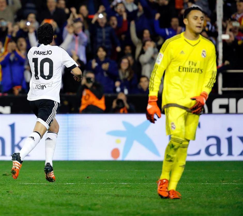Dani Parejo puso el empate parcial 1-1 ante Real Madrid, de penal venció a Keylor Navas.(Foto: EFE)