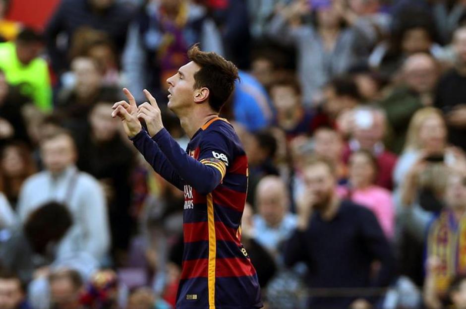 El argentino Lionel Messi, marcó triplete en el triunfo de Barcelona ante Granada. El argentino llegó a ocho goles en la Liga. (Foto: EFE)
