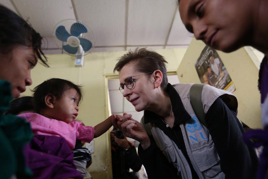 La asistencia nutricional es indispensable para las comunidades. (Foto: Esteban Biba/ EFE)