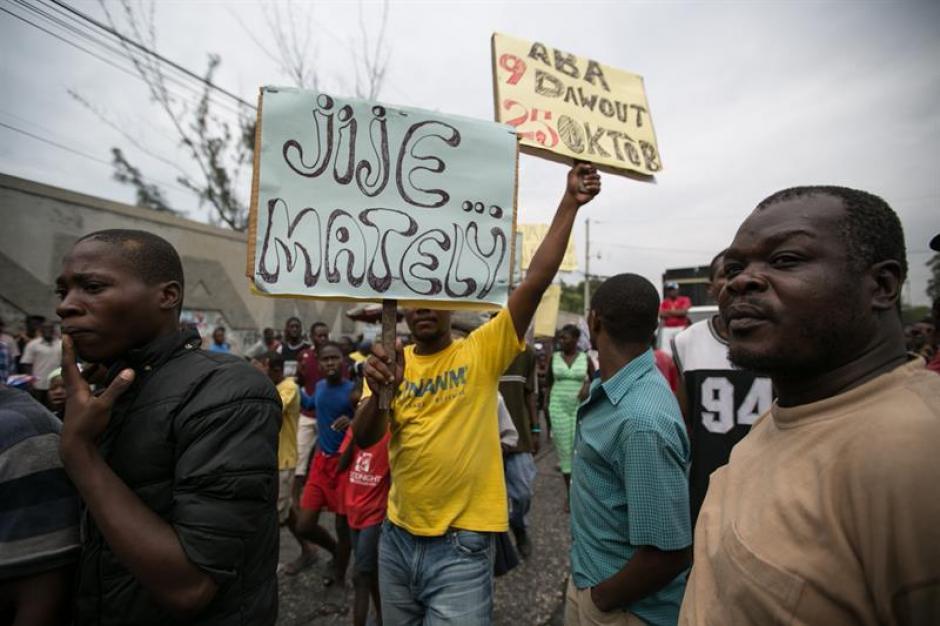 Los haitianos celebran la salida de Michel Martelly del poder. (Foto: EFE)