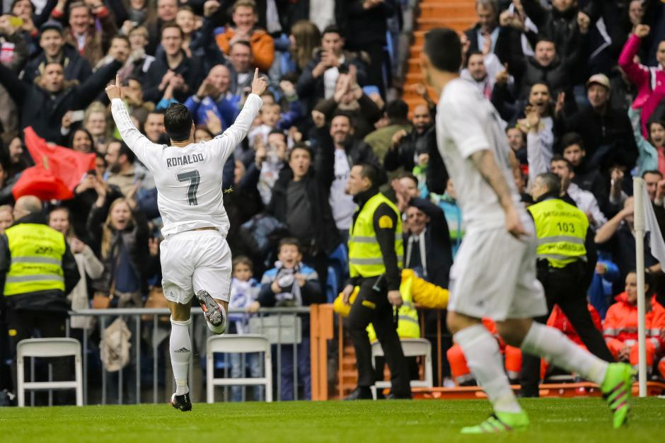 Cristiano Ronaldo festejó así su segunda anotación. (Foto: EFE)