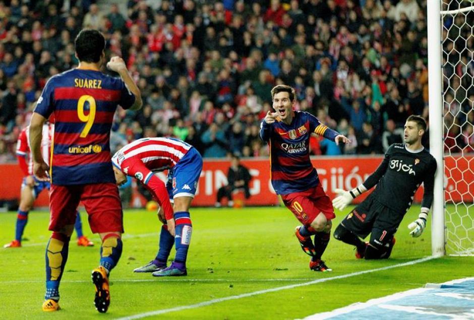 Así celebró Messi su anotación 300 con el Barcelona en la Liga de España. (Foto: EFE)