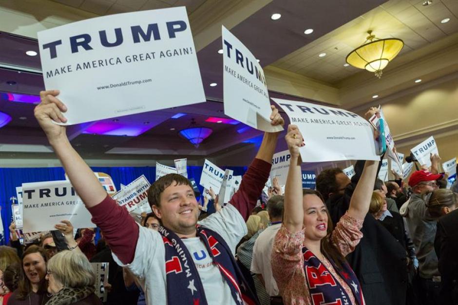 Simpatizantes de Donald Trump celebran en Carolina del Sur. (Foto: EFE)