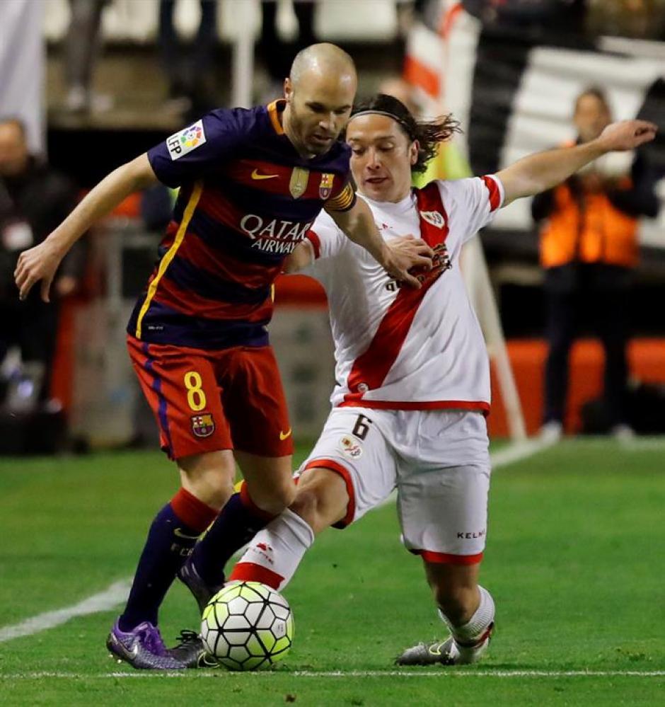Andrés Iniesta sigue sumando récords con el FC Barcelona. (Foto: EFE)
