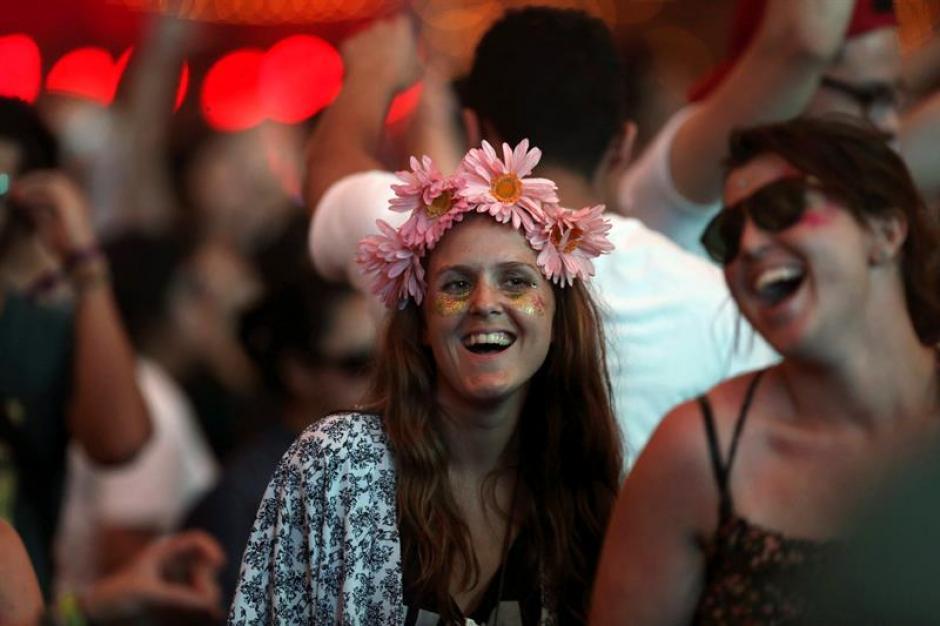 El festival estuvo lleno de sonrisas, alegrías y colores (Foto: Esteban Biba/EFE)