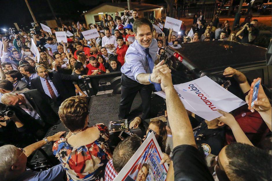 El senador republicano Marco Rubio habla durante un acto de su campaña en Miami, Florida. (Foto: EFE)