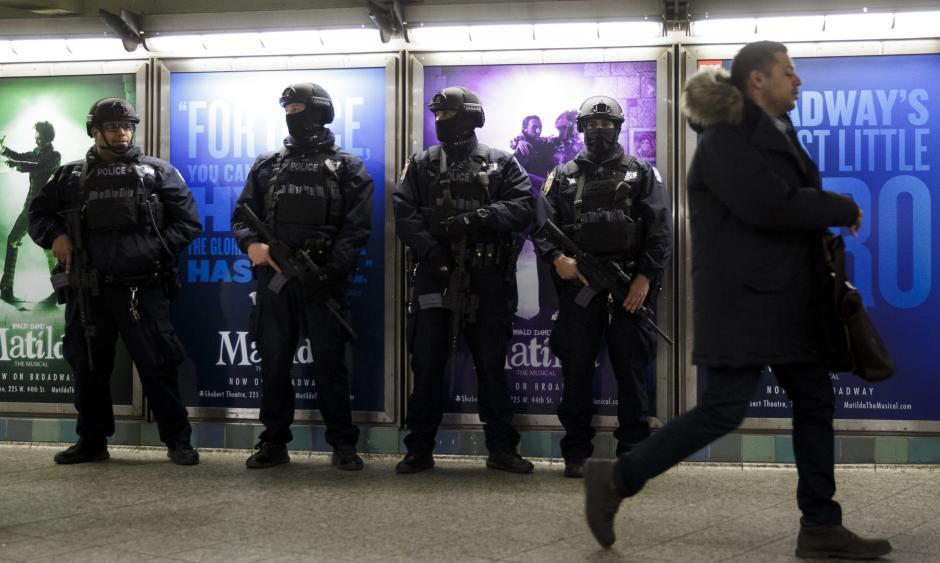 Estados Unidos reforzó hoy la seguridad en sus principales aeropuertos y metros tras los atentados. (Foto: EFE)