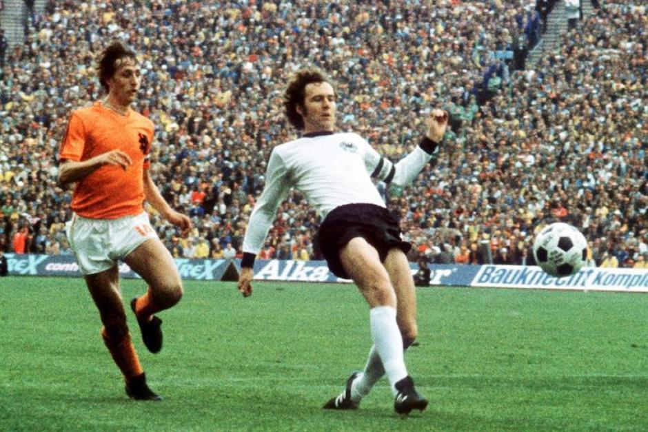 El mítico jugador Johan Cruyff hizo historia con la selección holandesa y con el Barcelona. (Foto: EFE)