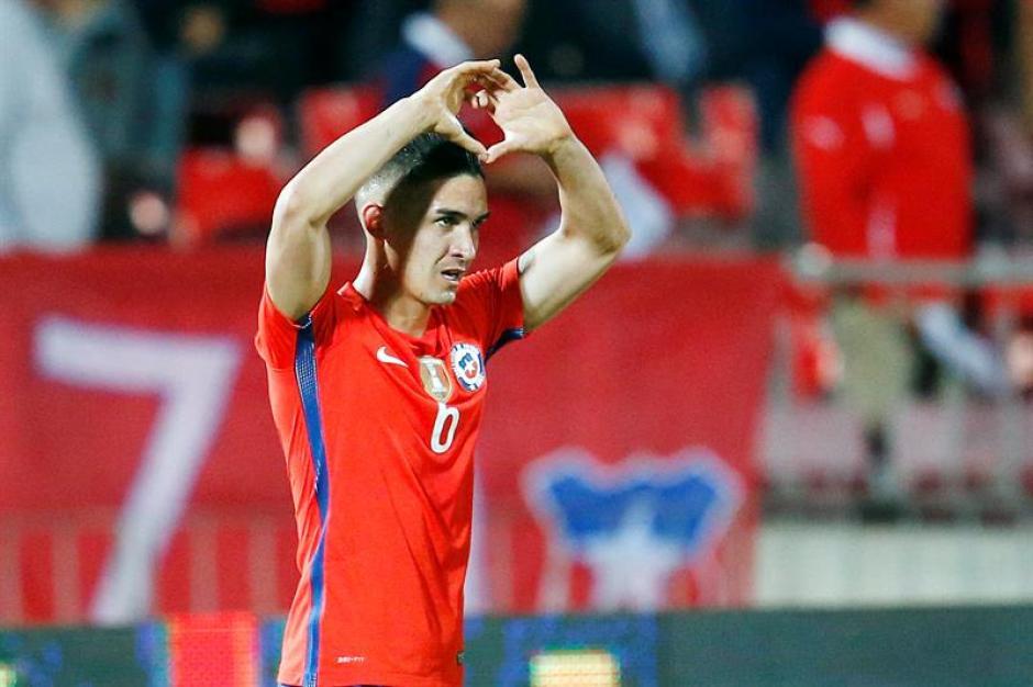 Felipe Gutiérrez celebra después de anotar contra Argentina. El  partido corresponde a las eliminatorias para el mundial de Rusia 2018. (Foto: EFE)