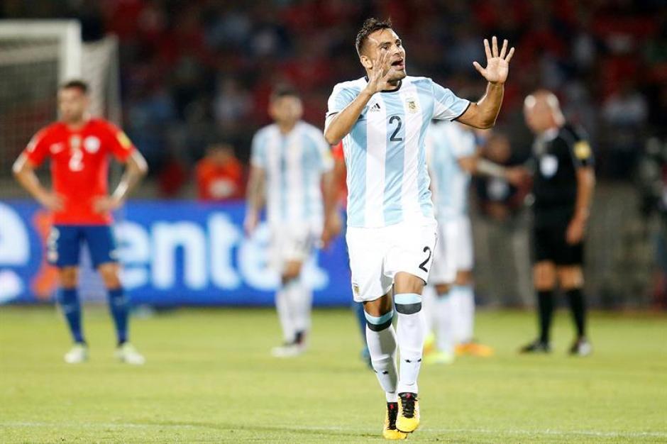 Gabriel Mercado festeja el segundo gol de la albiceleste que al final significó la victoria del cuadro dirigido por Gerardo Martino. (Foto: EFE)