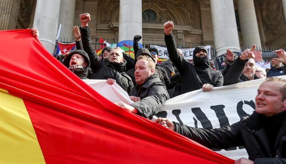 La manifestación pacífica era para rechazar al terrorismo tras el doble atentado en la capital belga. (Foto: EFE)