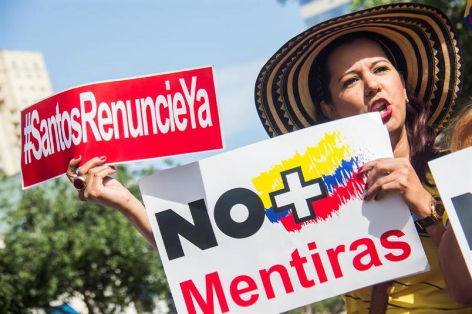 Renuncie Ya le dijeron a Santos en Colombia. (Foto: EFE)