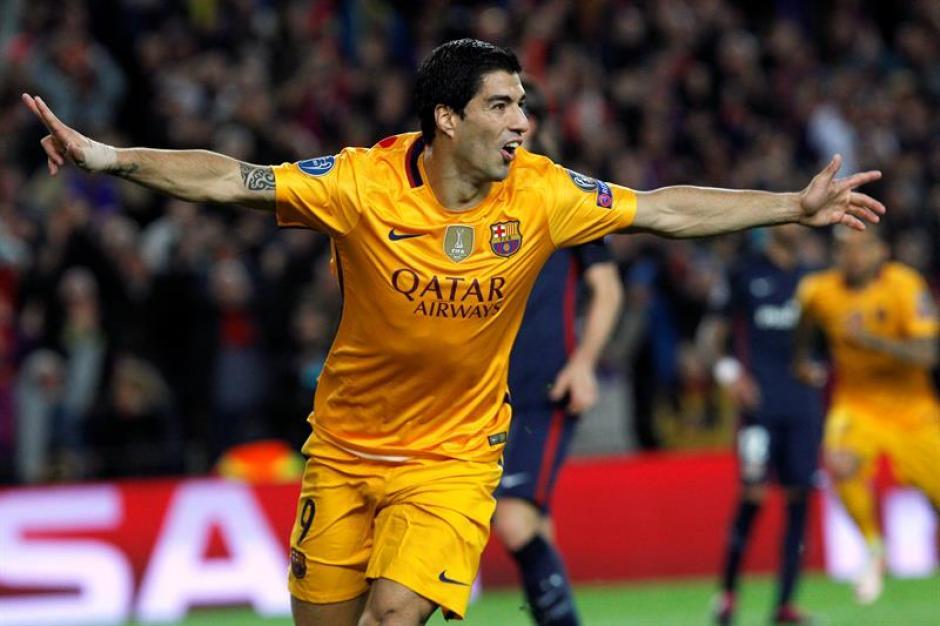 El uruguayo marcó doblete y le dio vida al FC Barcelona. (Foto: EFE)