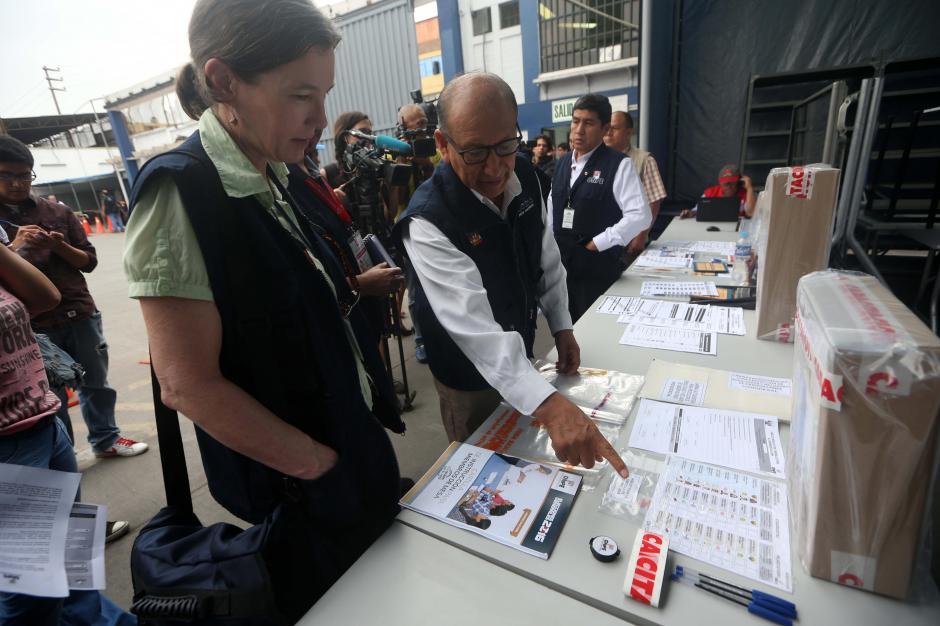 Decenas de observadores internacionales han llegado a Perú para garantizar la transparencia de las elecciones. (Foto: EFE)