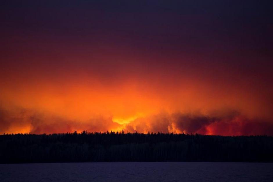 Se ha evacuado a más de 90 mil personas. (Foto: EFE)