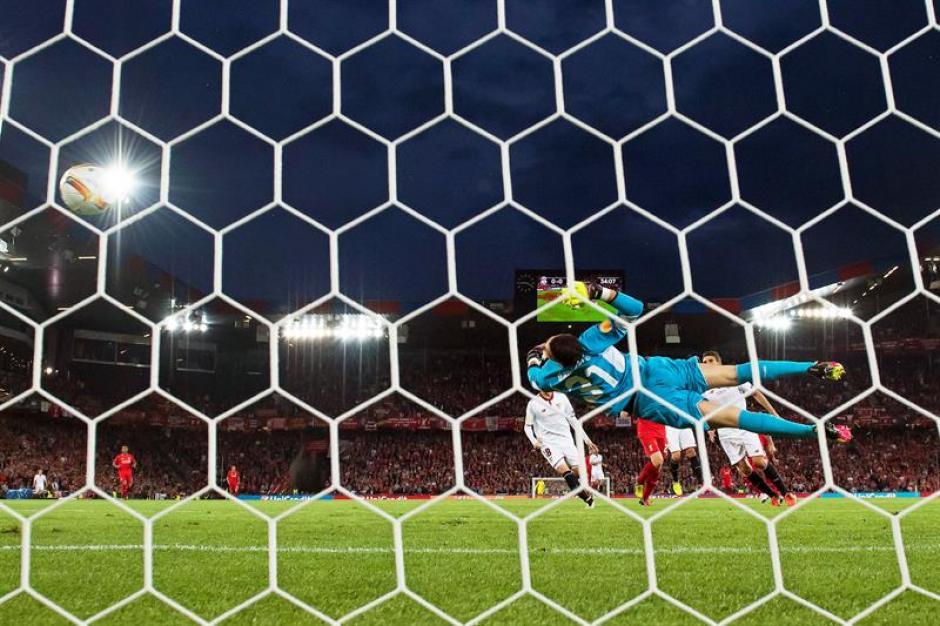 Así fue el gol del Liverpool que abrió el marcador. (Foto: EFE)