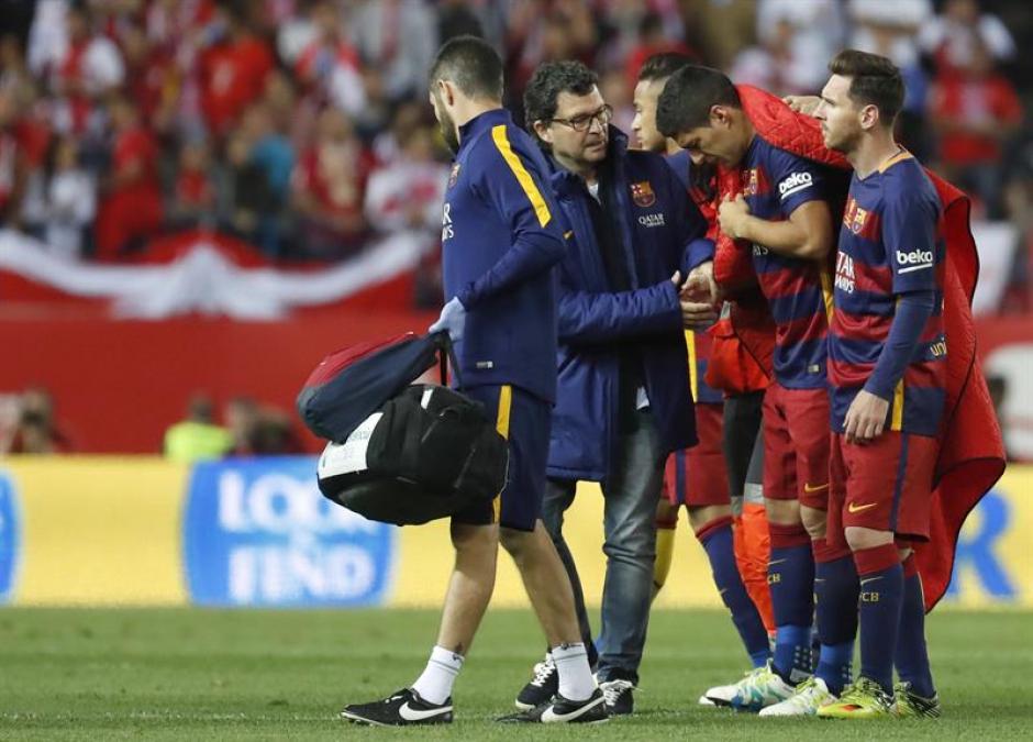 El uruguayo salió lesionado en la final de la Copa del Rey. (Foto: EFE)