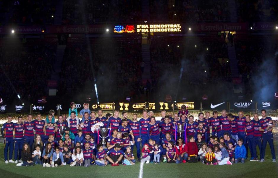 La foto de la plantilla fue la que más pedían los fans. (Foto: EFE)
