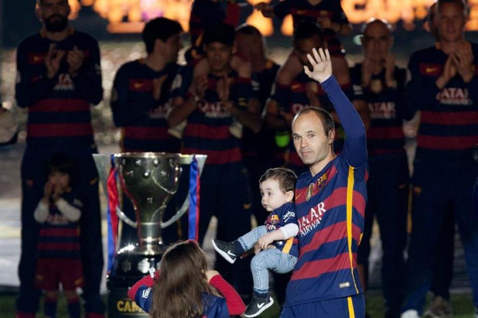 Iniesta fue uno de los más aplaudidos. (Foto: EFE)