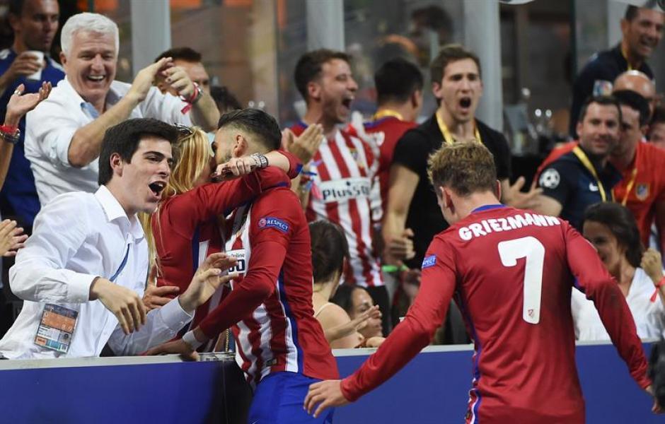 El delantero del Atlético de Madrid consiguió el empate en el juego. (Foto: EFE)