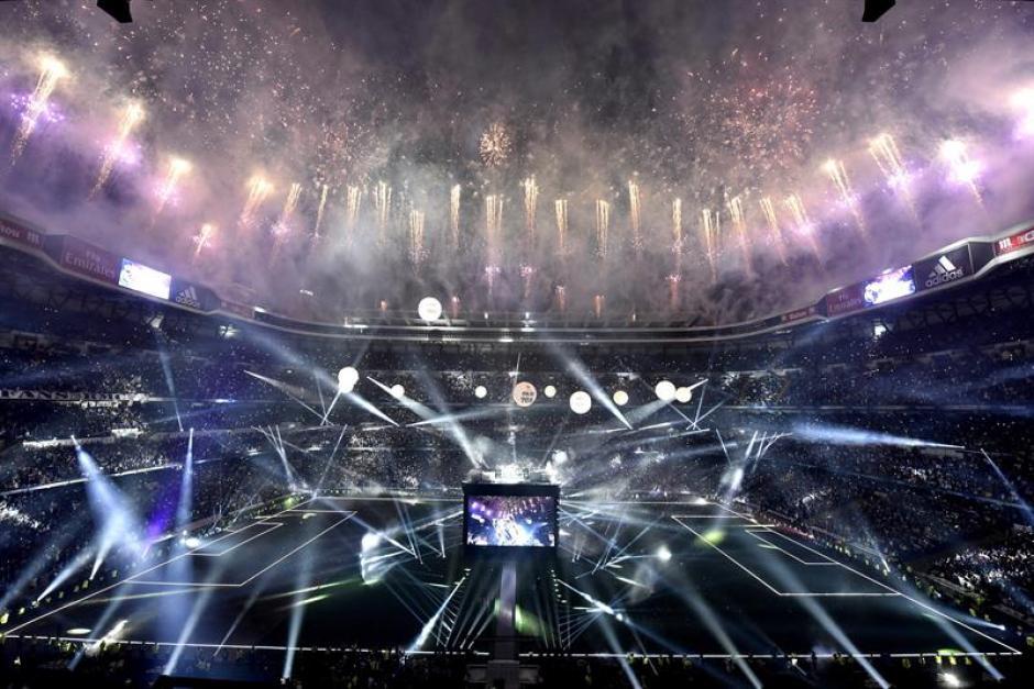 Todo un espectáculo se vivió el estadio Santiago Bernabéu. (Foto: EFE)