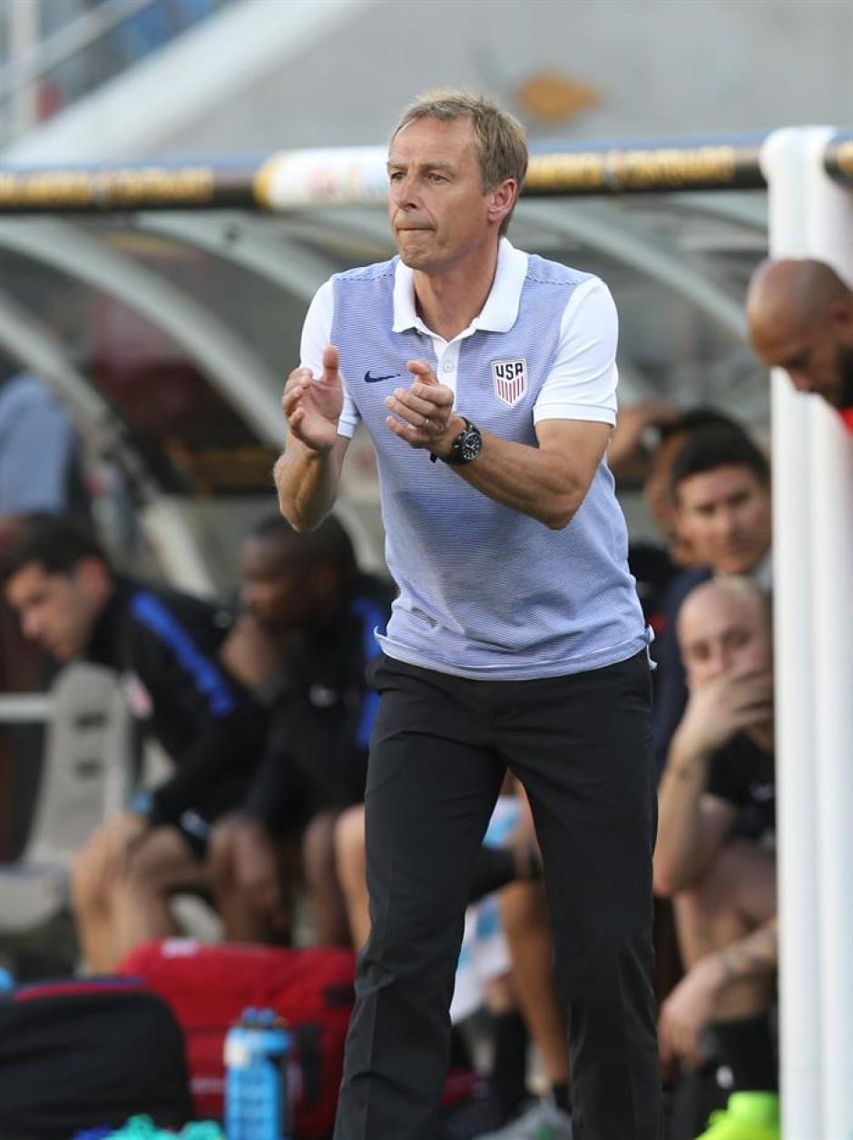 Jurgen Klinsmann técnico local intentó la reacción de sus jugadores. (Foto: EFE)