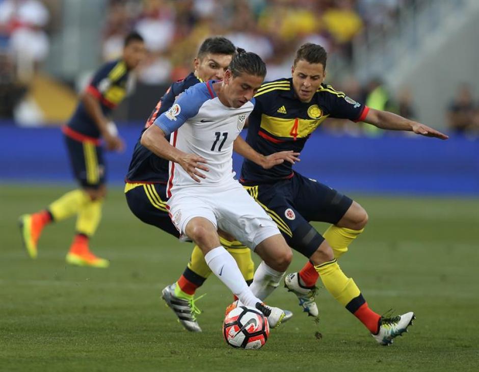 Los colombianos coparon bien los espacios en la cancha. (Foto: EFE)